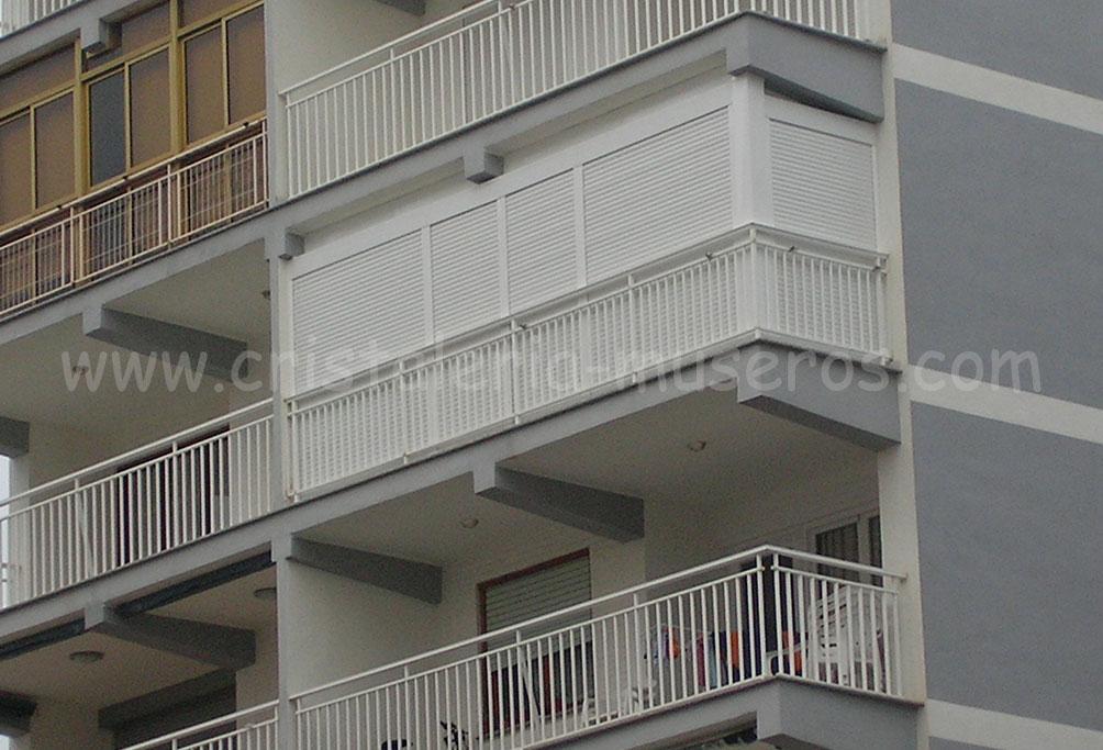 Cerramientos de cristal o aluminio cristaleria museros en for Cerramiento aluminio terraza